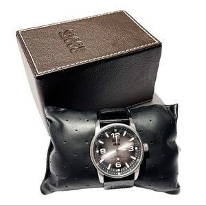 ROOTS 2010-TSL R728 Small Leather Band Men's Watch